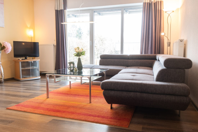 Wohnzimmer mit Blick in den Thüringer Wald